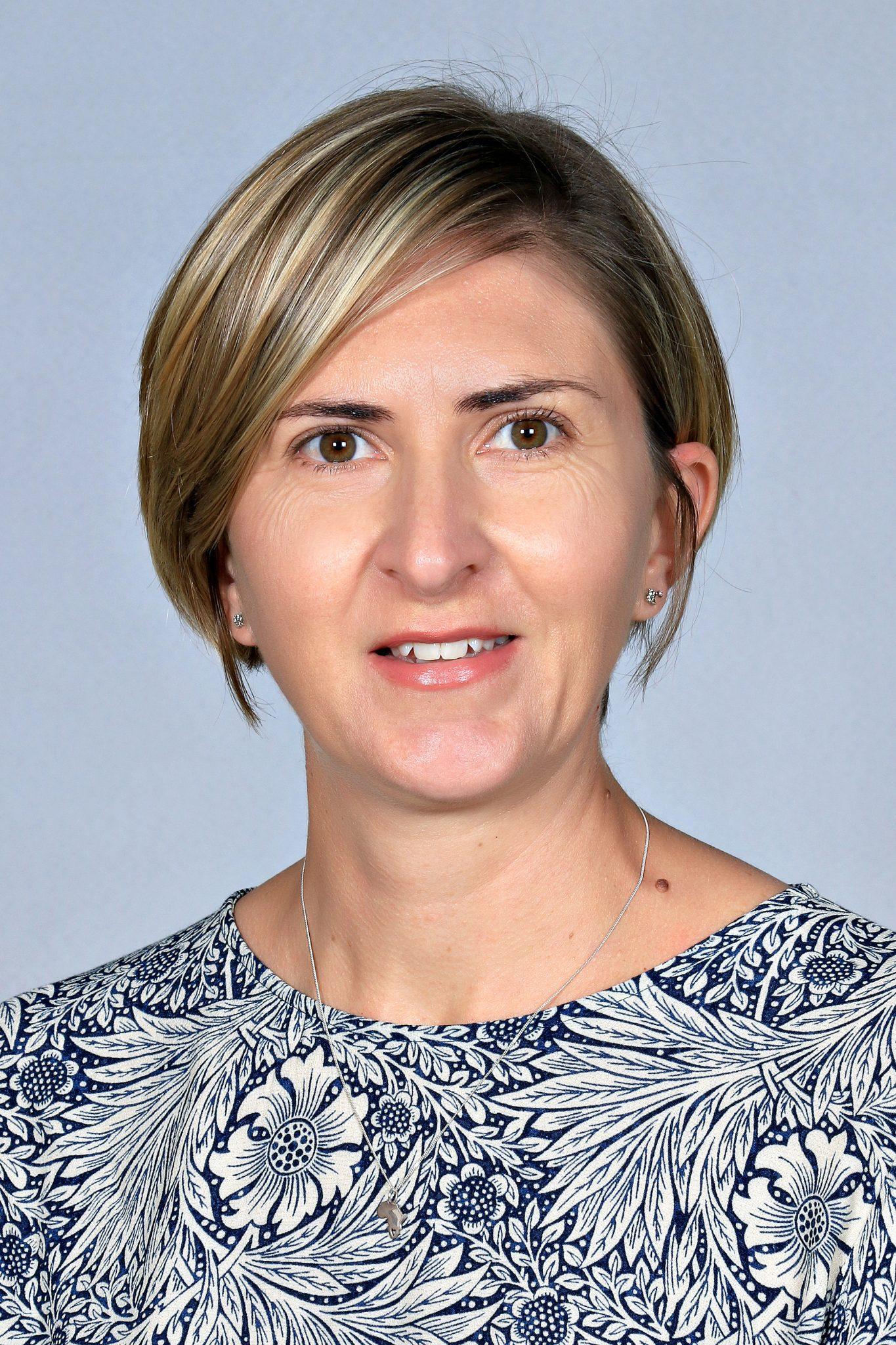 Ms S Muller